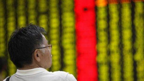 I mercati in Asia ancora negativi: dominano i timori sull'Ucraina e l'attesa per Draghi