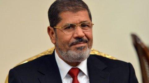 Egitto, ultimatum a Morsi: 5 ministri si dimettono