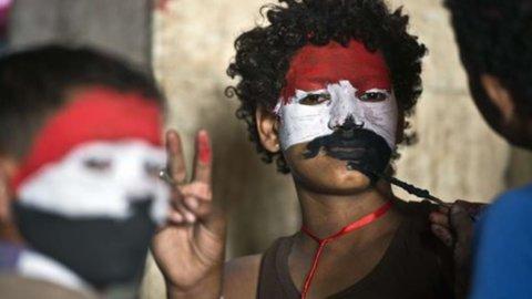 Egitto, oggi scade l'ultimatum dell'Esercito a Morsi. Ancora scontri al Cairo