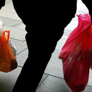 Consumi: lieve rimbalzo Eurozona, Italia a picco