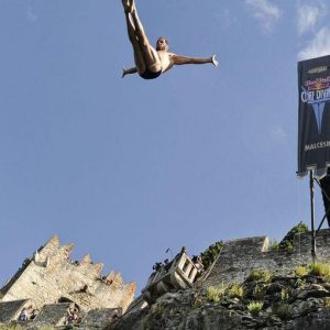 Red Bull Cliff Diving, la prima volta delle donne e di un italiano