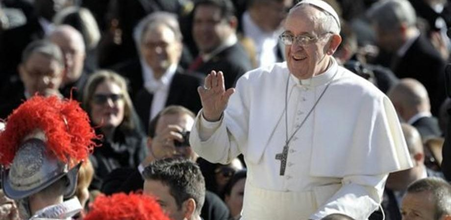 Vaticano: con Papa Francesco migliora il rating etico, outlook positivo da Standard Ethics