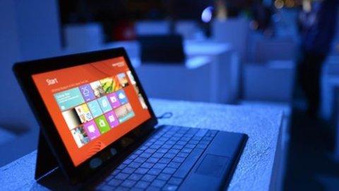 Microsoft: trimestre delude, pesano pc e tablet Surface
