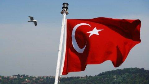 Turchia, il crollo della lira mette paura agli investitori italiani
