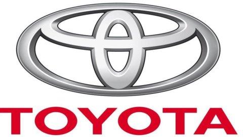 Toyota supera Volkswagen e torna regina delle auto