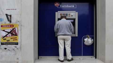 Grecia, arrivano gli aiuti ma già spunta un buco finanziario