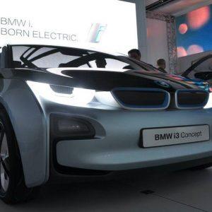 i3, l'auto elettrica potente e elegante targata BMW