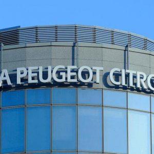 Peugeot tratta con Gm per comprare Opel: possibile maxi-fusione