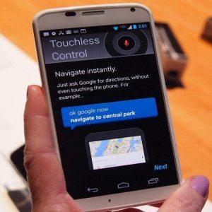 Google lancia Moto X, lo smartphone a comando vocale