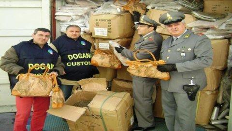 Industria del falso, sequestrati beni per 1 miliardo di euro nelle dogane Ue
