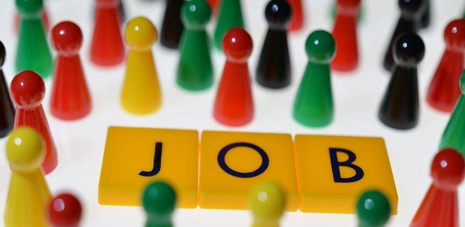 Salario minimo a 7 euro l'ora per i senza contratto