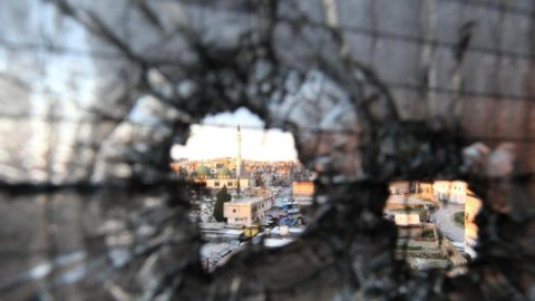 Siria: pronto per le prossime ore l'attacco di Usa, GB e Francia