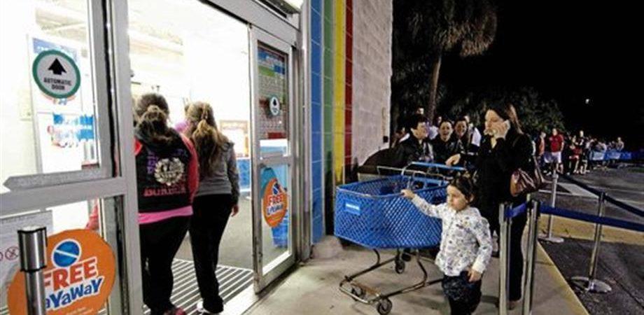 Istat: vendite al consumo e fiducia de consumatori in calo in tutte le componenti