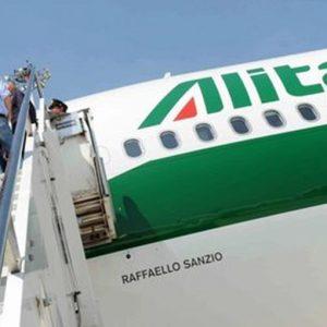 Alitalia: ore decisive, Governo diviso