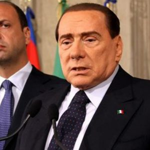 Dopo Berlusconi il diluvio non c'è ma i conti non sono chiusi e Alfano gioca la carta dei moderati