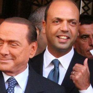 Berlusconi chiederà l'affidamento ai servizi sociali e nel Pdl Alfano lancia la sua sfida