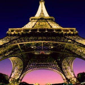 """Torre Eiffel, Hoang diventa primo azionista e minaccia i dirigenti: """"Stipendi troppo alti"""""""