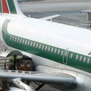 """Alitalia, Ue: """"Intervento Poste Italiane non esclude che si tratti di aiuti di Stato"""""""