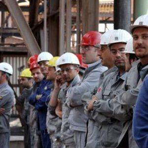 Industria: l'Eurozona rallenta ancora