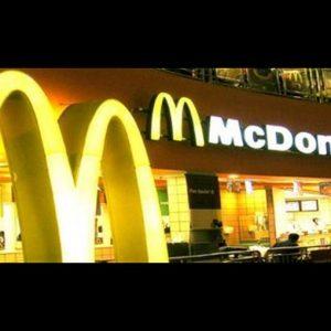McDonald's: lieve crescita delle vendite nel terzo trimestre ed è calo in Borsa