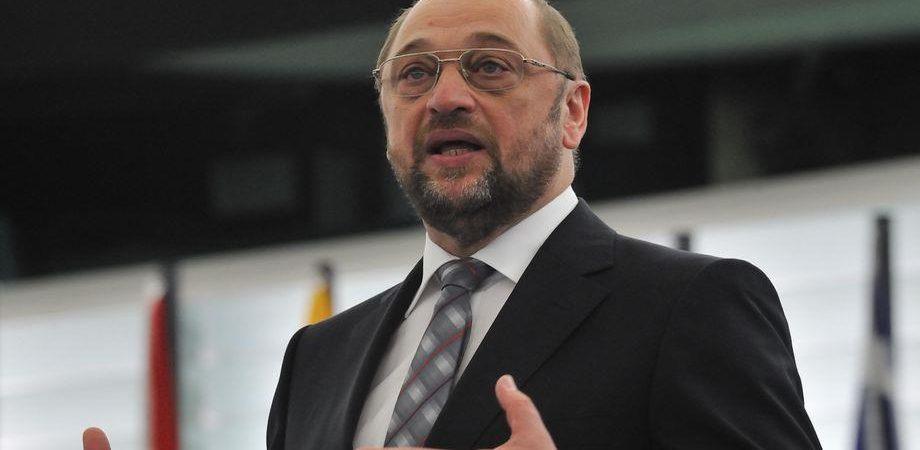 """Ue, Schulz attacca la Grecia: """"Varoufakis ha stufato"""""""