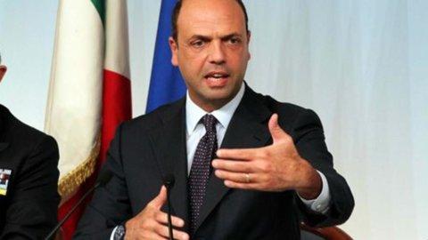 """Pdl verso la scissione, Alfano a Berlusconi: """"In Forza Italia non entro, fermati"""""""