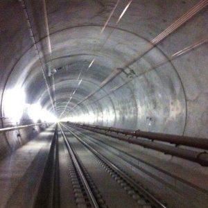 Svizzera, il Paese dei treni: nuovo Gottardo pronto in anticipo e incentivi anti-rumori