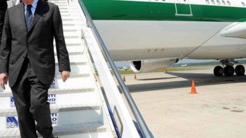 Nazionalizzare l'Alitalia o ridurre le tasse? L'allucinante dibattito sul futuro della compagnia