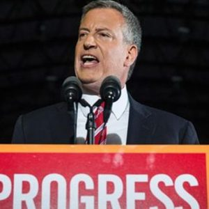 New York, De Blasio rieletto sindaco