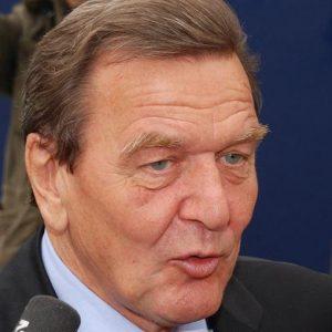 """Schröder: """"Basta austerità o l'Unione Europea muore"""""""