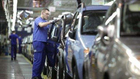 Germania: ordini all'industria in calo del 2,2% ad ottobre