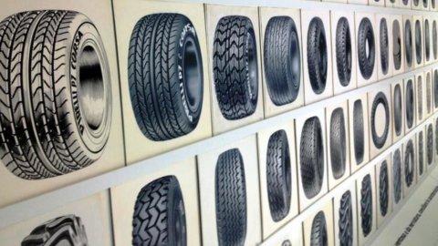 Pirelli: suona in fabbrica la Filarmonica di Torino diretta da Micha Hamel