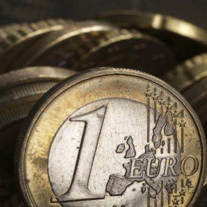 Prodi-Ronald Dore, duello sull'euro