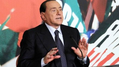 Decadenza Berlusconi: stasera il voto del Senato, il Cavaliere muove la piazza