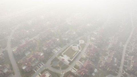 A Pechino è iniziato il mercato delle emissioni, ma intanto vengono date meno targhe