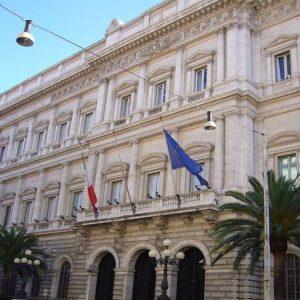 Bankitalia: migliora l'offerta di credito a imprese e famiglie