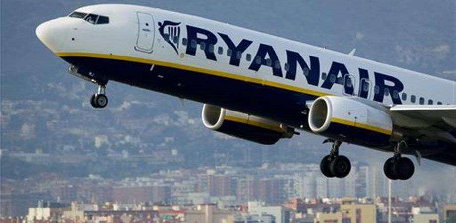 Ryanair, voli cancellati: Antitrust minaccia maxi multa