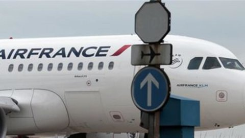 "Alitalia, Messina (Intesa): ""Air France in lizza, altrimenti partner extra-Ue"""