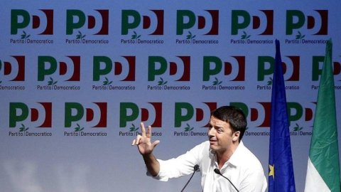 Assemblea Pd, Renzi sfida Grillo: via i finanziamenti subito, ma tu firma legge elettorale