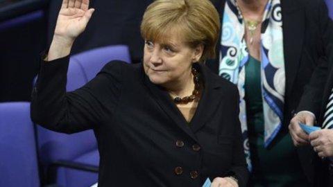 """Merkel: """"Cambiare i trattati Ue per consolidare l'euro, serve meccanismo per le riforme"""""""