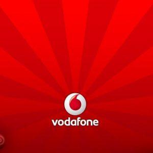 Vodafone: ricavi in calo ma volano i clienti fibra (+64%)