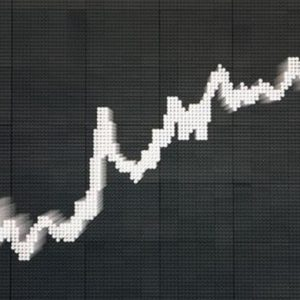 In rialzo l'ultima seduta di Borsa (+0,7%) prima di Natale: brillano Autogrill, Fiat, Mps, Stm