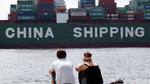 Scambi commerciali, la Cina sorpassa gli Usa al primo posto