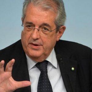 """Unicredit, per il Cda Saccomanni è il """"presidente ideale"""". Utile boom"""