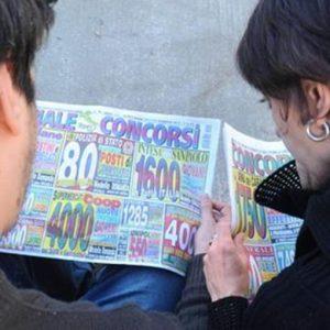 """Eurispes: """"Italiani schiavi delle rate anche per pagare il medico"""""""