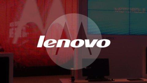 Lenovo cresce sul mercato degli smartphone: accordo con Google per l'acquisto di Motorola Mobility