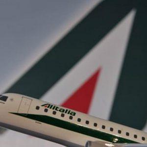 Alitalia: salvataggio meno caro e ricavi a 3 miliardi