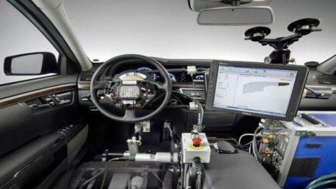 Google e Detroit non sono d'accordo sulle auto che si guidano da sole