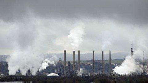Istat, torna a calare l'industria italiana: a febbraio -0,5% su mese e +0,4% su anno