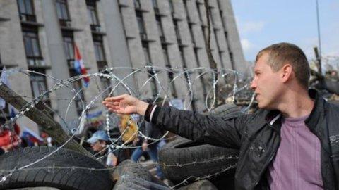Ucraina: torna la tensione, nuovi scontri con i filo-russi